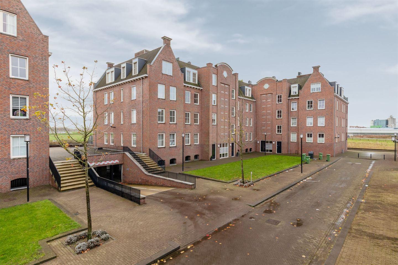 Bekijk foto 2 van Willem van Oranjestraat 101