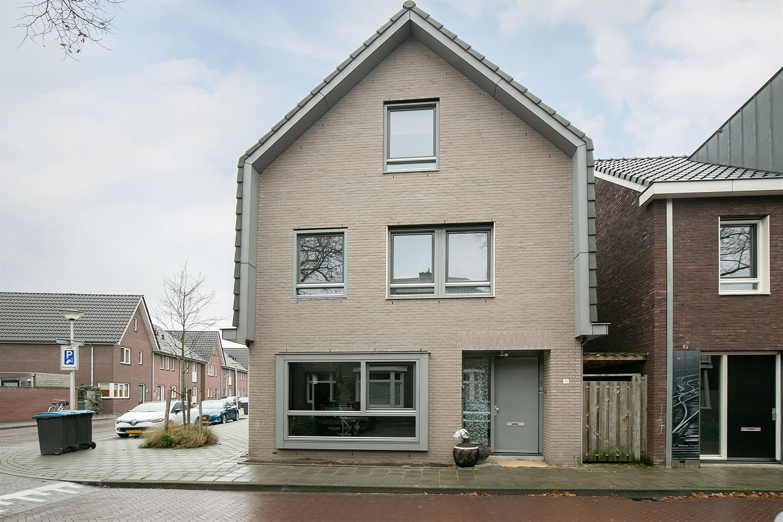 Bekijk foto 1 van Nicolaas Beetsstraat 11