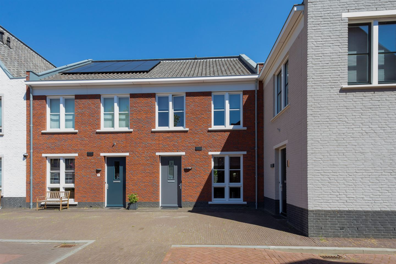 Bekijk foto 1 van Hugo de Grootstraat 7