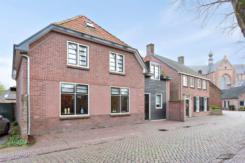 Bekijk foto 1 van St Odulphusstraat 23