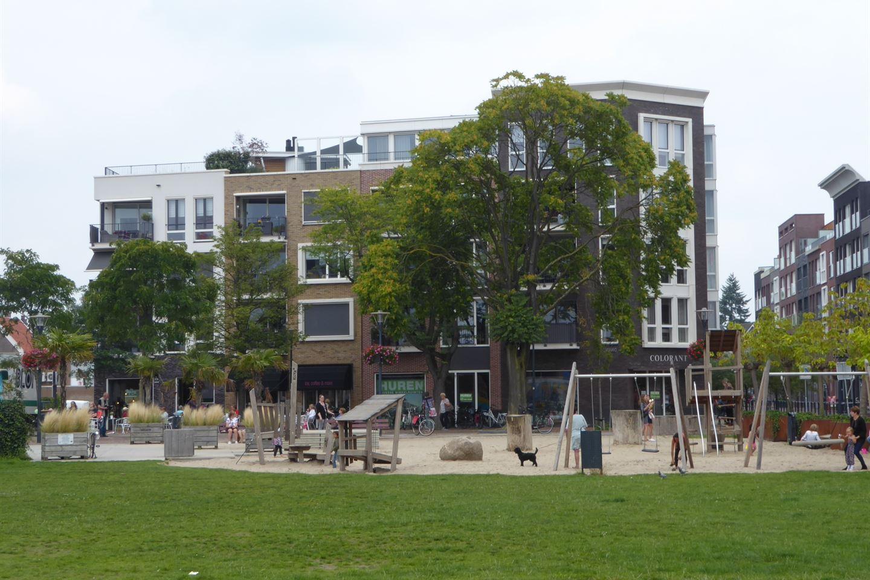 Bekijk foto 5 van Thoomesplein