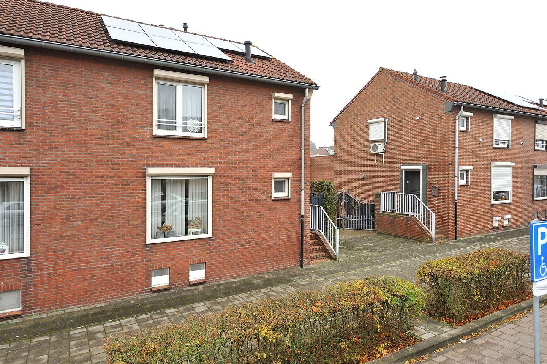 Bekijk foto 2 van Veldenseweg 100
