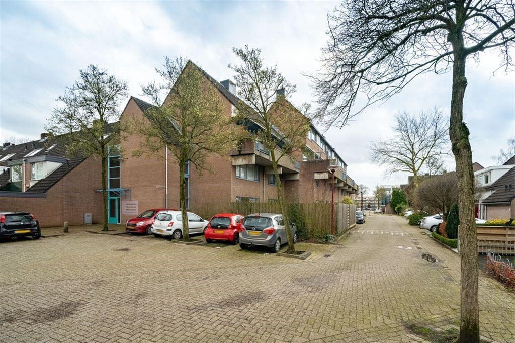 Bekijk foto 1 van Zwaardenburg 38