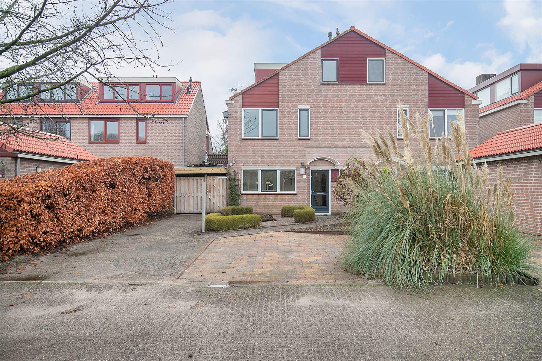 Bekijk foto 1 van Van de Lagemaathof 41