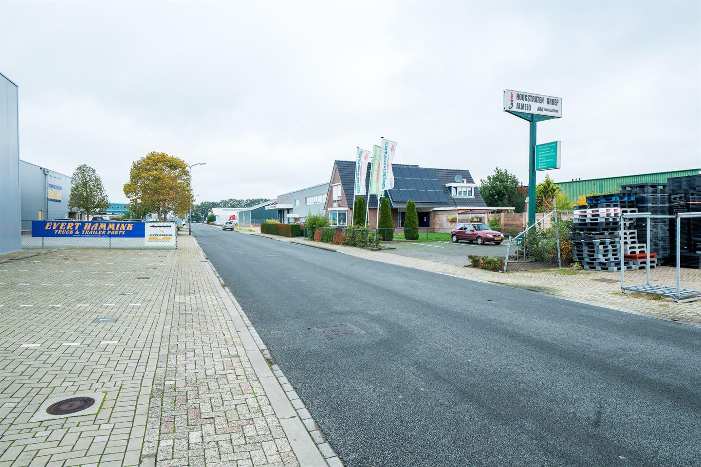 Bekijk foto 2 van Van Weerden Poelmanweg 5 a-b