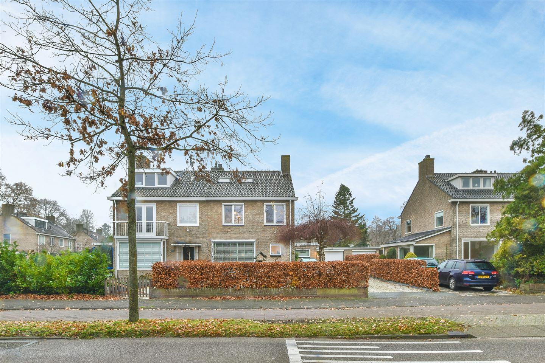 Bekijk foto 1 van Cort van der Lindenlaan 49