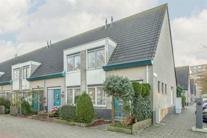 J.M. den Uylstraat 21