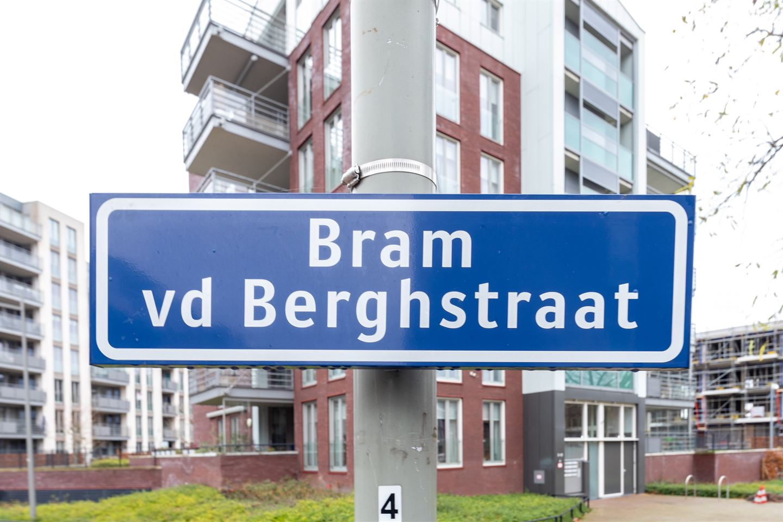 Bekijk foto 2 van Bram van den Berghstraat 79