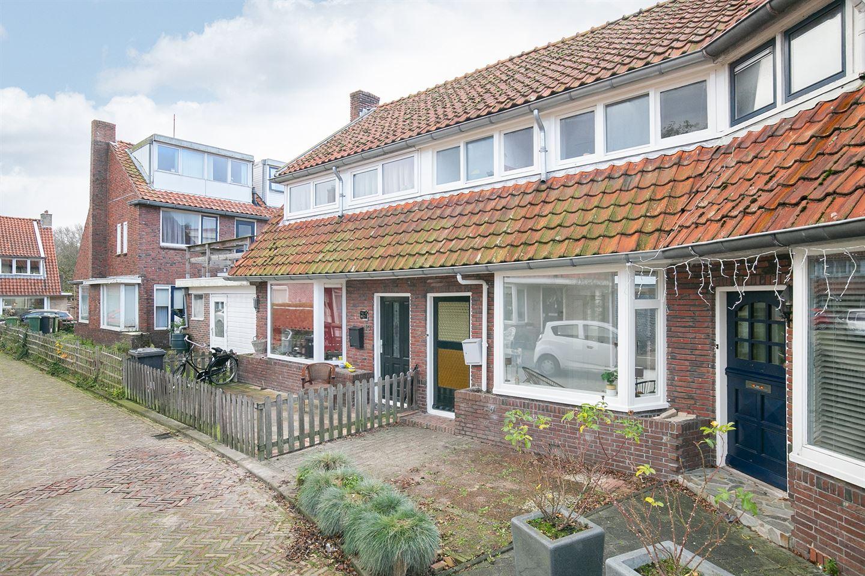 Bekijk foto 2 van Hendrik van Deventerstraat 8