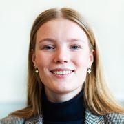 Julia Lausberg - Commercieel medewerker