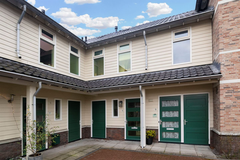 Bekijk foto 2 van Hendrik Werkmanhof 18