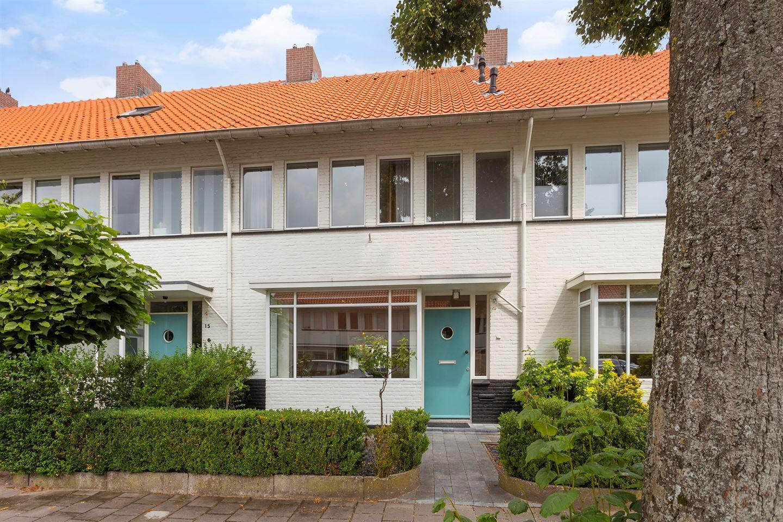 Bekijk foto 1 van Petrus Dondersstraat 17