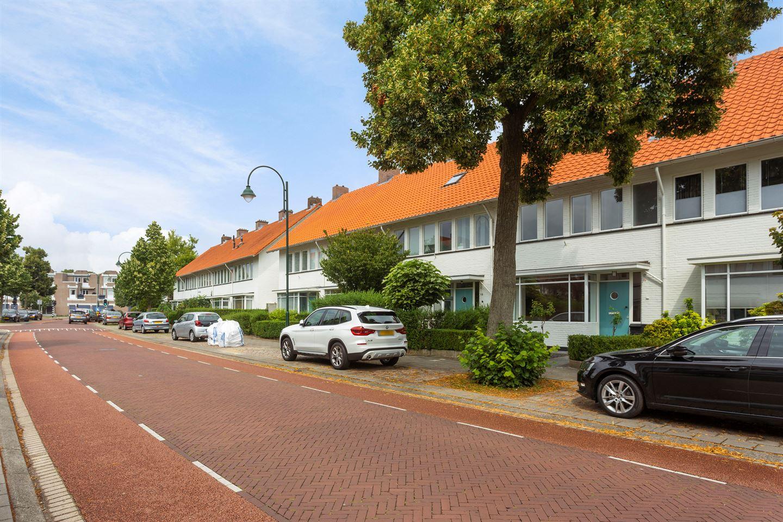 Bekijk foto 2 van Petrus Dondersstraat 17