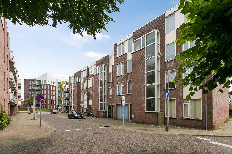 Bekijk foto 1 van Meijer van Leeuwenstraat 49