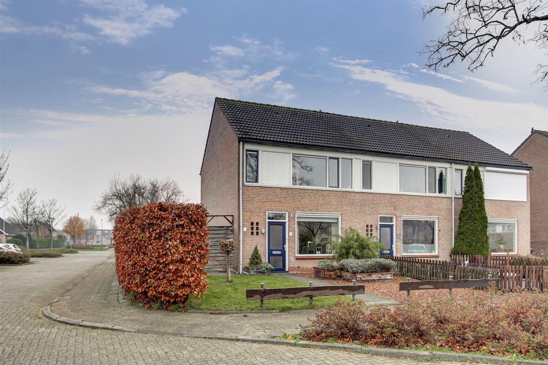 Bekijk foto 1 van Maria van Reigersbergenweg 1