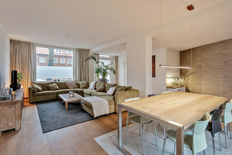 View photo 5 of Zeelsterstraat 109