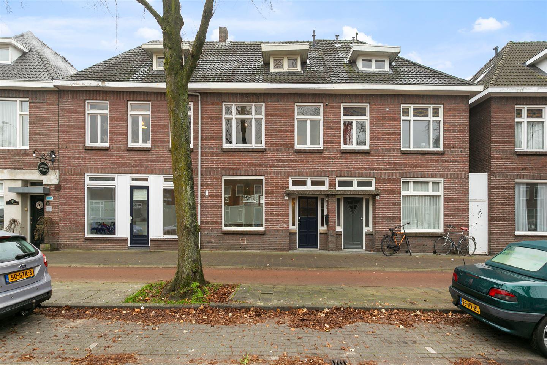 View photo 2 of Zeelsterstraat 109