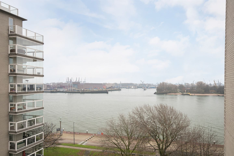 Bekijk foto 2 van Maasboulevard 176
