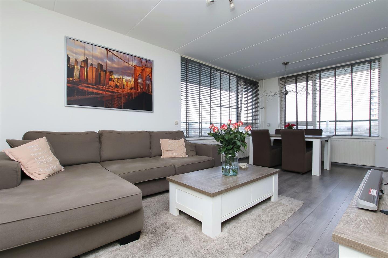 Bekijk foto 2 van Adriaen Brouwerstraat 90