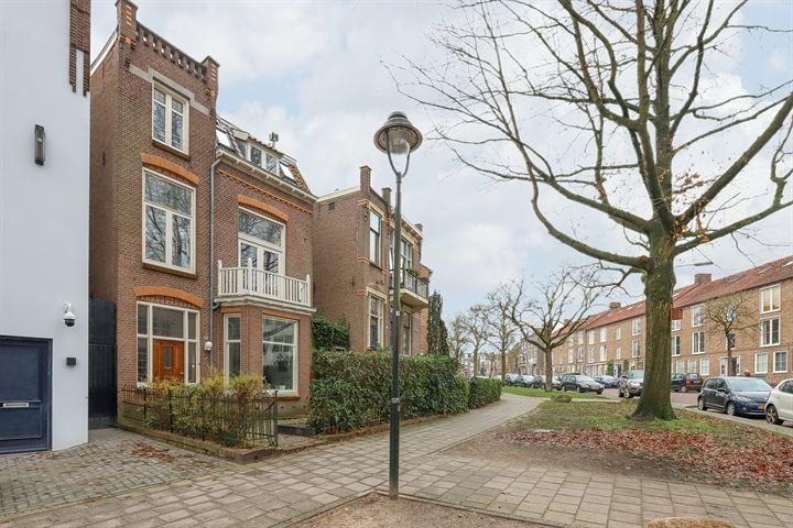 Burgemeester Weertsstraat 77