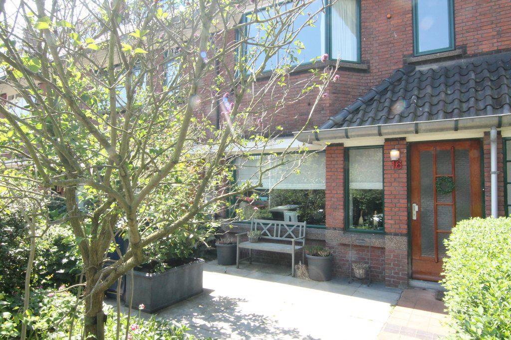 Bekijk foto 1 van Van Drenkwaertstraat 16