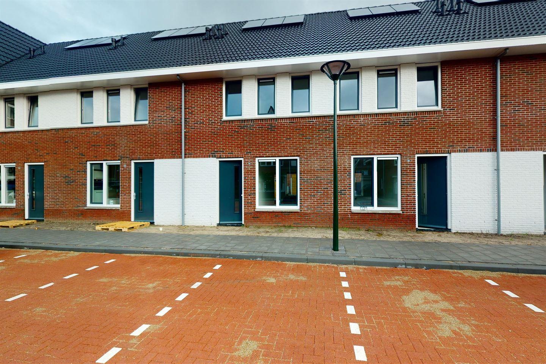 View photo 1 of Paulus Potterstraat 42