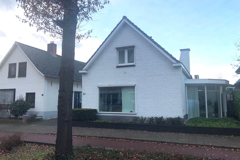Bekijk foto 1 van Zutphenseweg 20