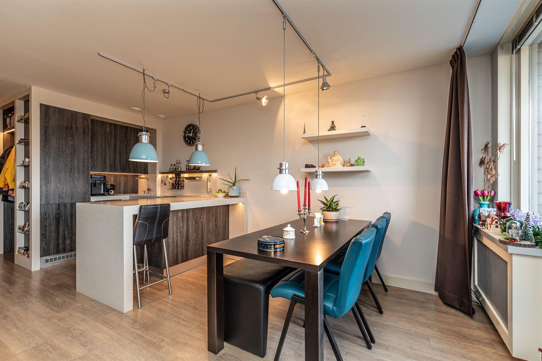 Bekijk foto 4 van Van Meerbeekstraat 56