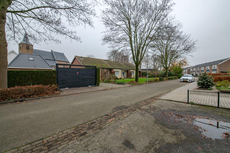 Bekijk foto 3 van Klaproosstraat 8