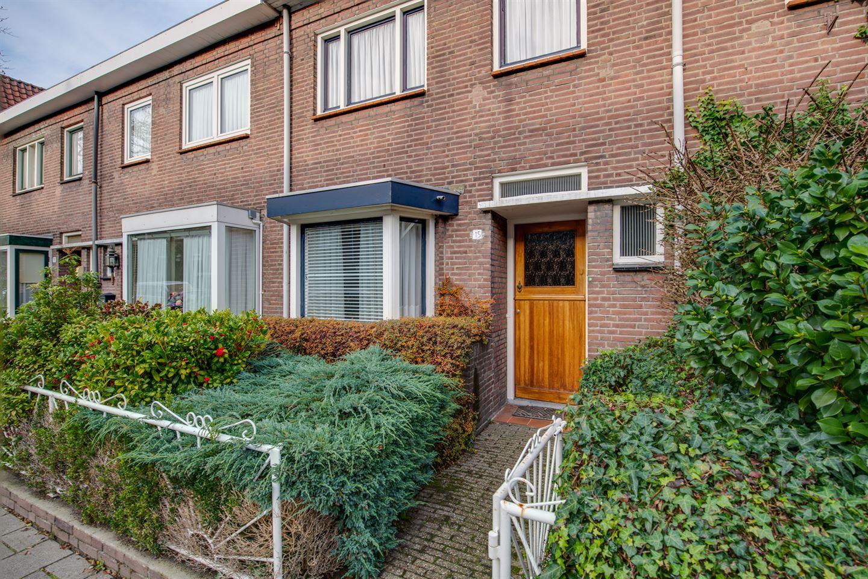 Bekijk foto 2 van Sparrenstraat 15