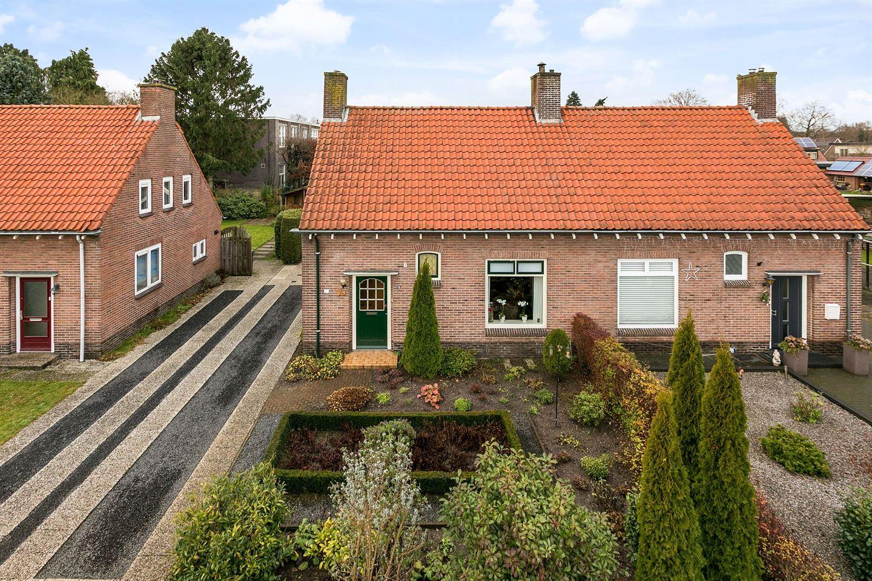 Bekijk foto 2 van Bloemstraat 15