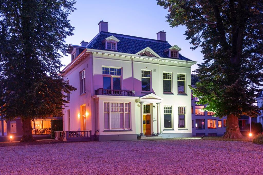 Bekijk foto 1 van Oldenzaalsestraat 123