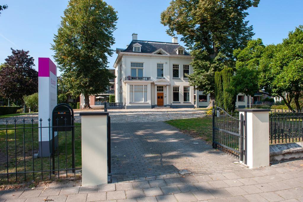 Bekijk foto 2 van Oldenzaalsestraat 123