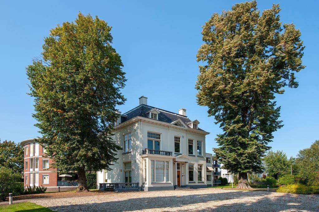 Bekijk foto 3 van Oldenzaalsestraat 123