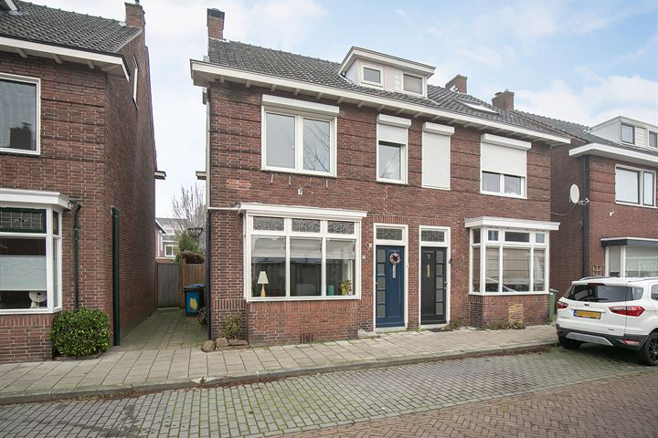 Cornelis Speelmanstraat 5