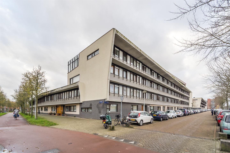 Bekijk foto 1 van Leuvenstraat 152