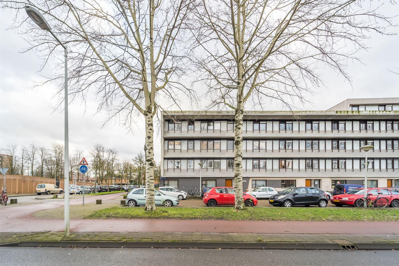 Bekijk foto 2 van Leuvenstraat 152