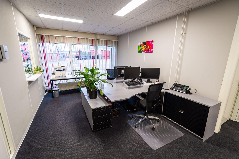 Bekijk foto 3 van Roelof Brinkstraat 8