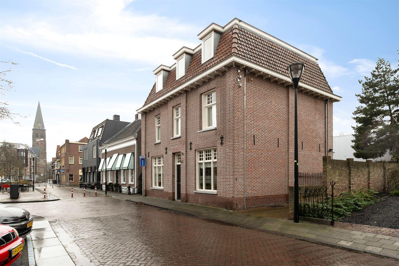 Bekijk foto 2 van Kloosterstraat 10