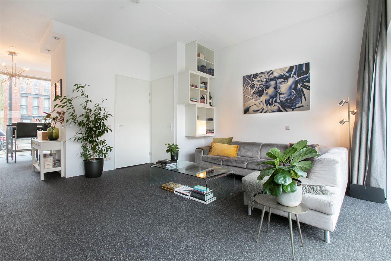 Bekijk foto 3 van Pieter Oosterhuisstraat 58