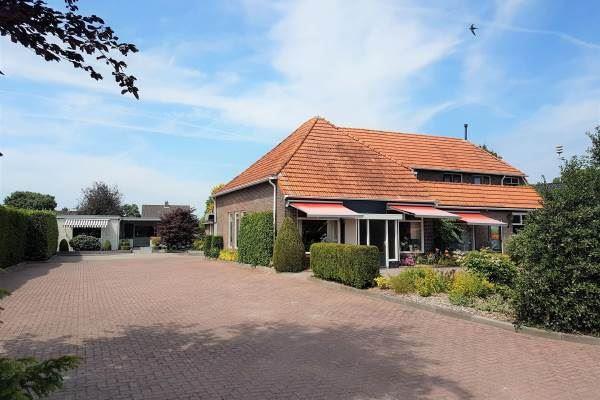 Bekijk foto 3 van Coevorderstraatweg 8
