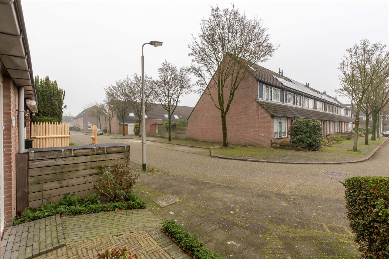 Bekijk foto 3 van Eva Bonheurstraat 21