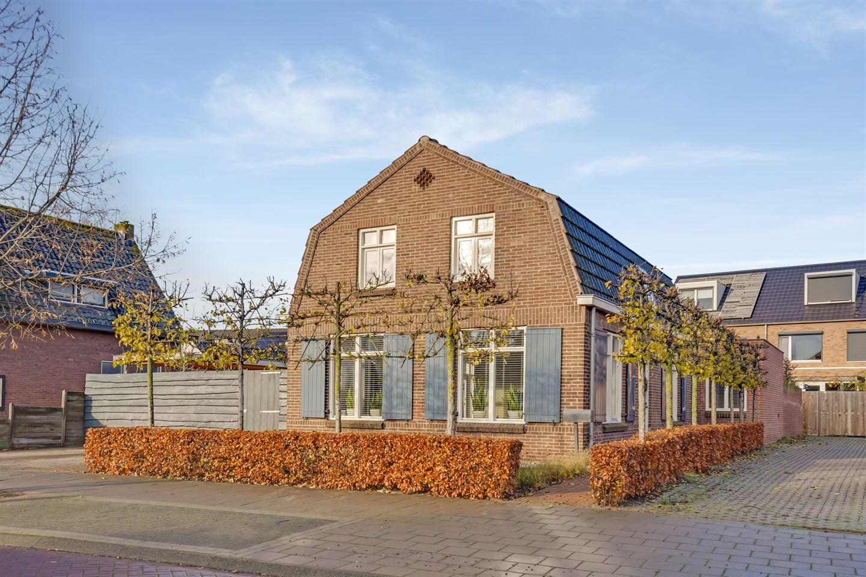 Bekijk foto 1 van Burg. Nieuwenhuijzenstraat 10