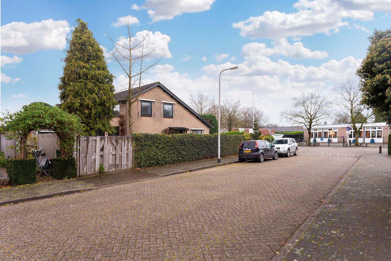 Bekijk foto 4 van Van Limburg Stirumstraat 14