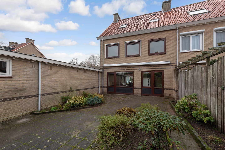 Bekijk foto 2 van Fuutstraat 23