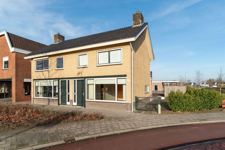 Bekijk foto 2 van Haarstraat 166