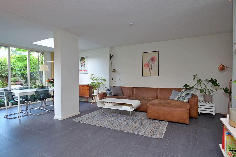 Bekijk foto 1 van J.M. den Uylstraat 12