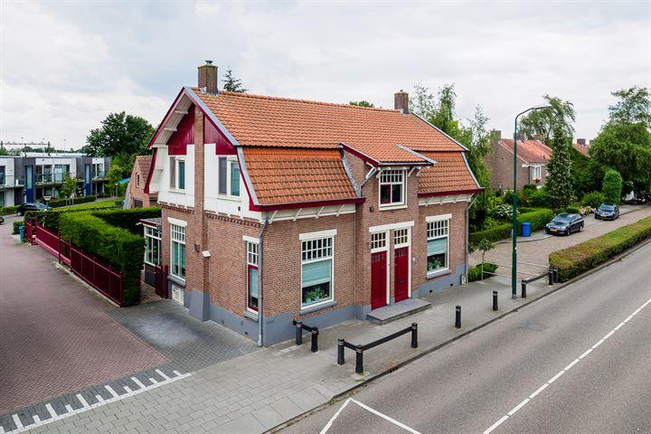 Stationsweg 13 15