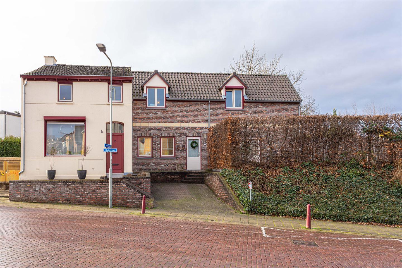 Bekijk foto 1 van Holstraat 16