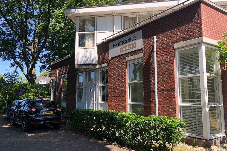 Bekijk foto 2 van Kloosterhof 2-4